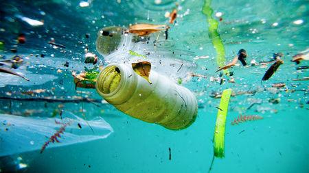 Rác thải nhựa tràn ngập trên biển